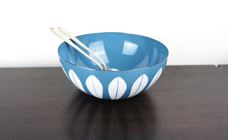 "Vintage Cathrineholm Turquoise Blue with White Lotus 8"" Bowl Enameled Steel, Medium Snack Serving Bowl Grete Prytz Kittelson, Norway 180035 by TheLionsDenStudio on Etsy"