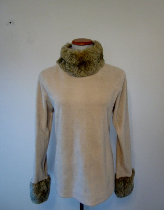 Vintage 80s Womens Off White Fleece Pullover by GroovyGirlGarb ... 5c5c4470e3