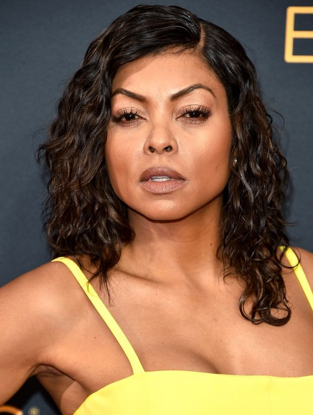 Of course Taraji P. Henson's rose gold Emmys eye look was created with products from the star's own MAC makeup collection! Get the details here
