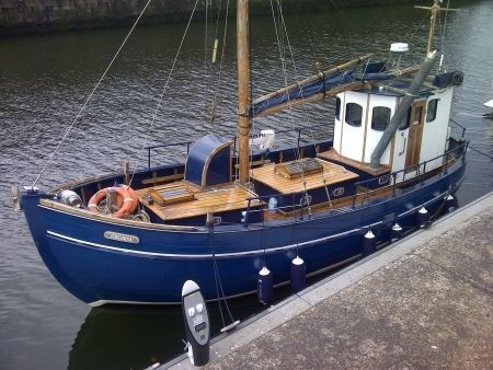 Pocket trawler converted trawler pocket sein netter for Small fishing boats with motor
