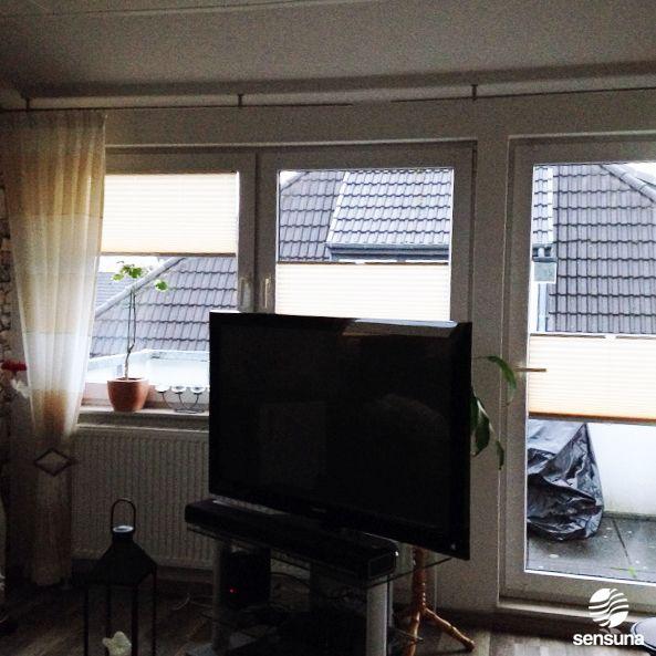 sichtschutz an balkont r und fenstern dank plissees von sensuna plissee kundenbilder. Black Bedroom Furniture Sets. Home Design Ideas