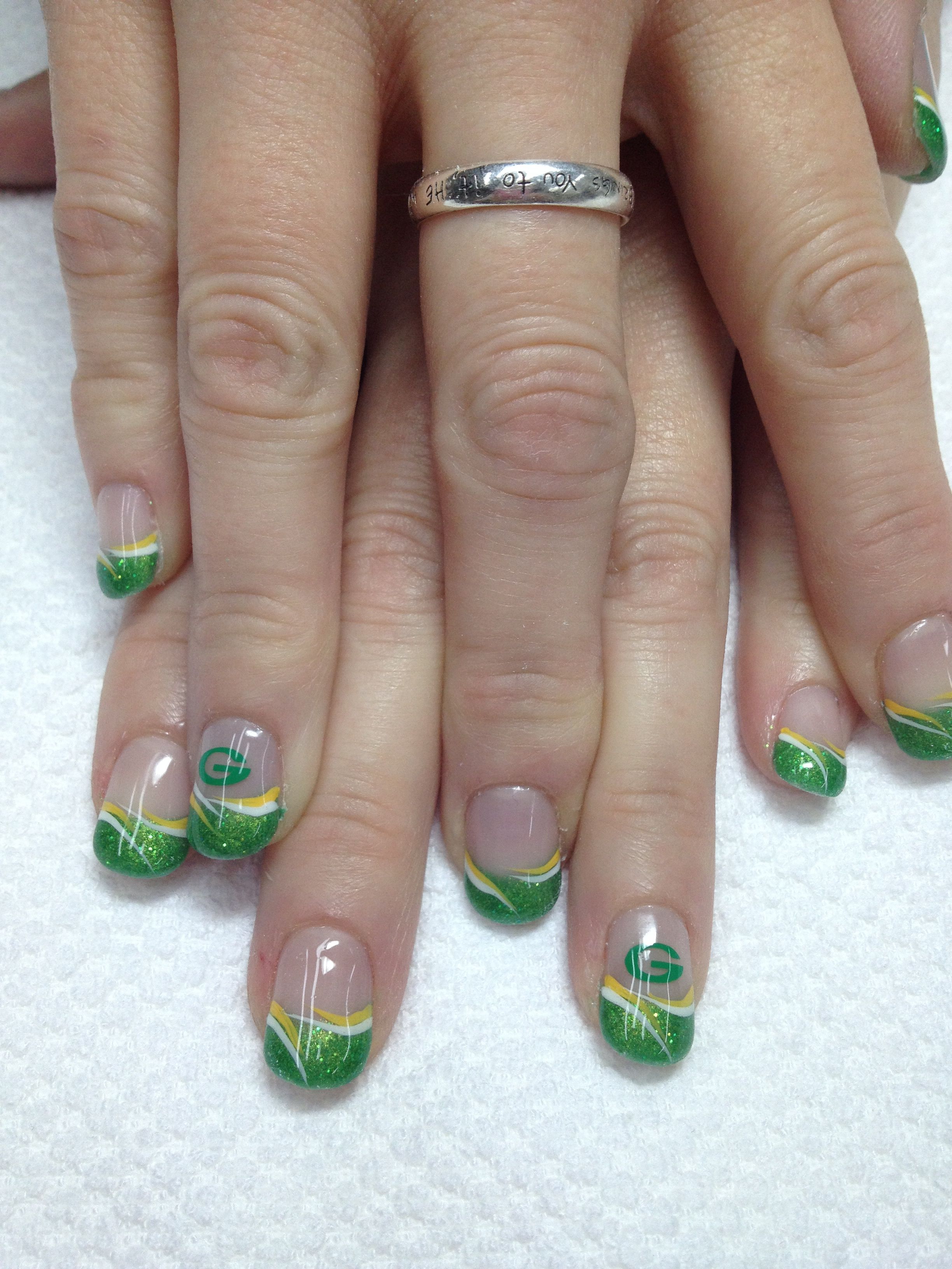 Go Pack Go Sparkly Green Packer Nails All Odorless And Non Toxic Gel With Images Packer Nails Green Bay Packers Nail Art Green Bay Packers Nails