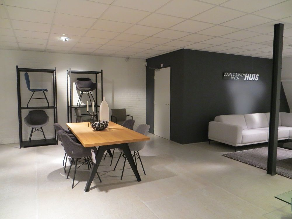 Ons dyyk huis met eigentijdse en moderne eetkamer tafels en stoelen tegen betaalbare prijs - Eigentijdse eetkamer decoratie ...