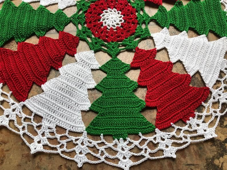 Colorido Arbol De Navidad Hecho A Mano Crochet Doily Etsy In 2020 Christmas Crochet Patterns Christmas Crochet Colorful Christmas Tree