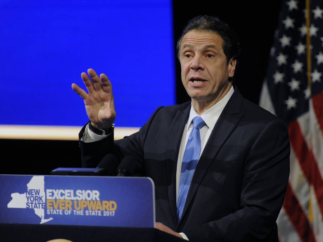 Trumping Trump New York Governor Andrew Cuomo Courts Middle Class Anger With Images Trump New Middle Class Investing