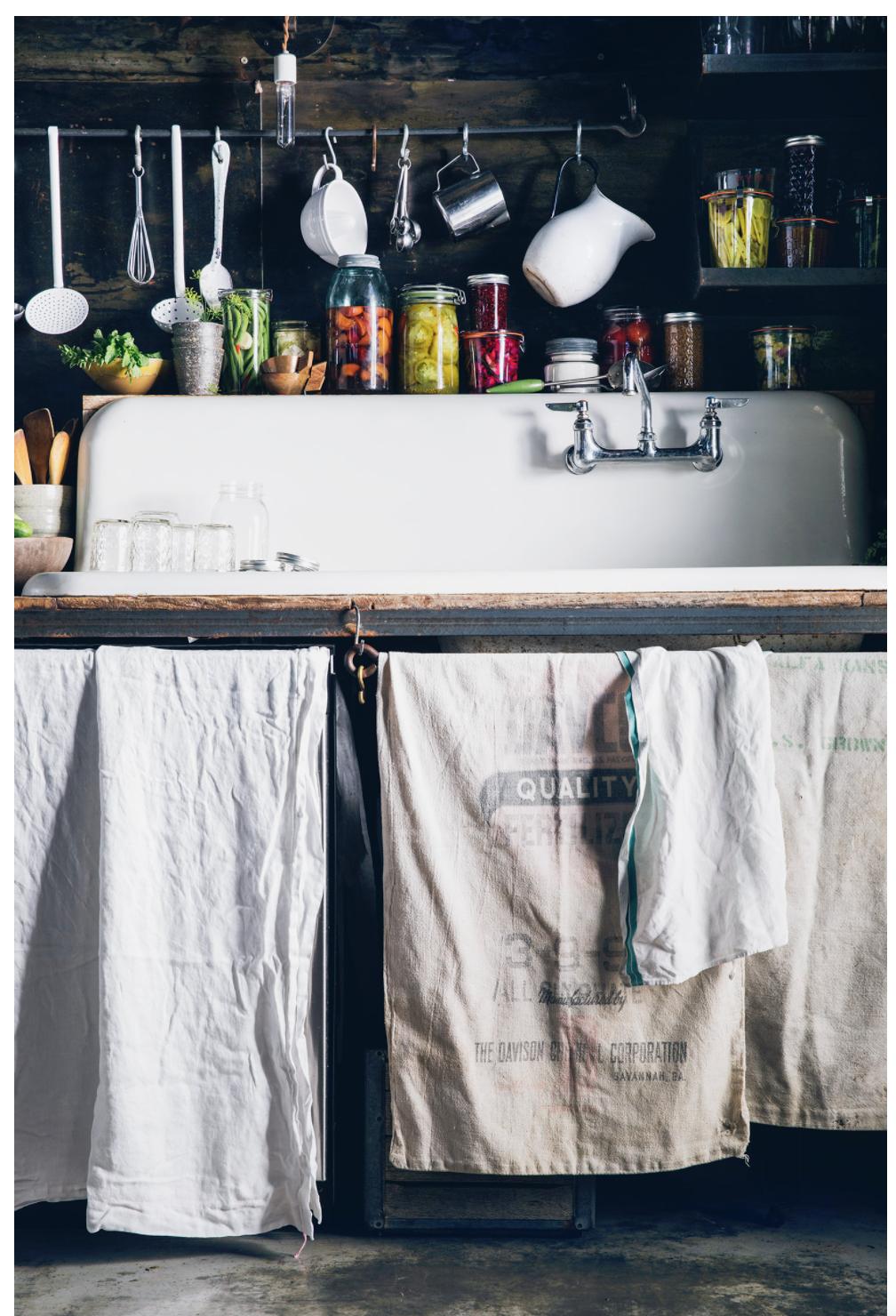 Kitchen Interior Inspiration, Kitchen Pantries, Kitchens, Summer Kitchen,  Kitchen Styling, Food Photography, Porn, Editorial, Bon Appétit