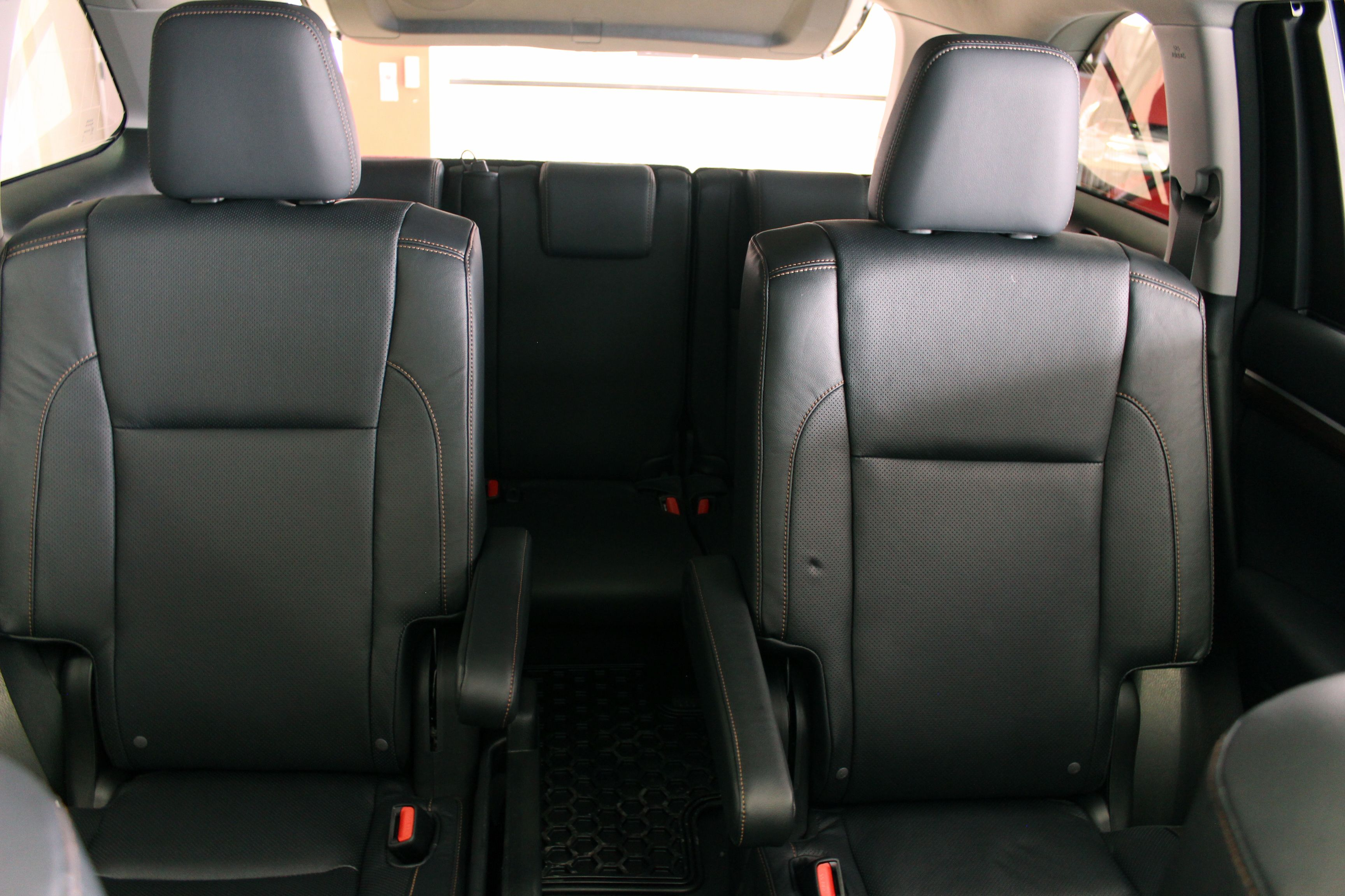 2014 Toyota Highlander Limited Awd Second Row Captain Chairs