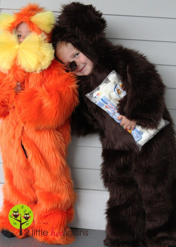 2 little hooligans has the most amazing handmade costumesever the lorax and a brown bar ba loot handmade halloween costumes solutioingenieria Image collections