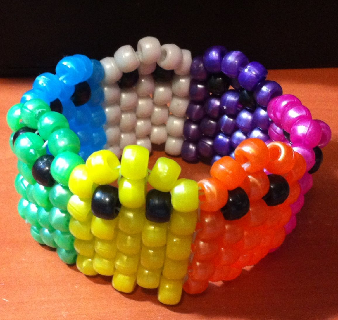 make with white beads for ghost
