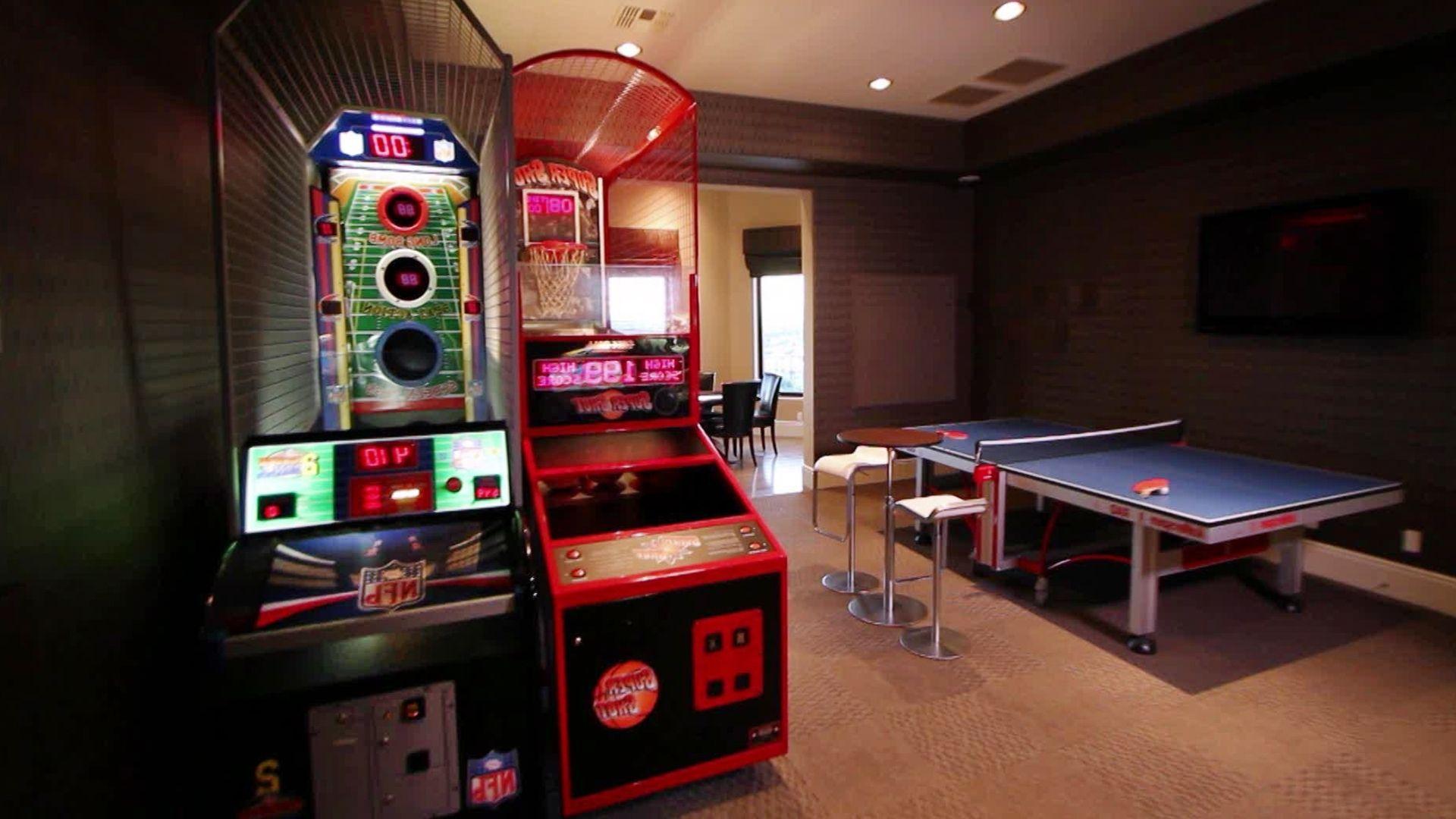 Recroom Designideas Entertainmentroom Family Homedecor Room Rec Ideas On A Budget For Small Rooms Bat