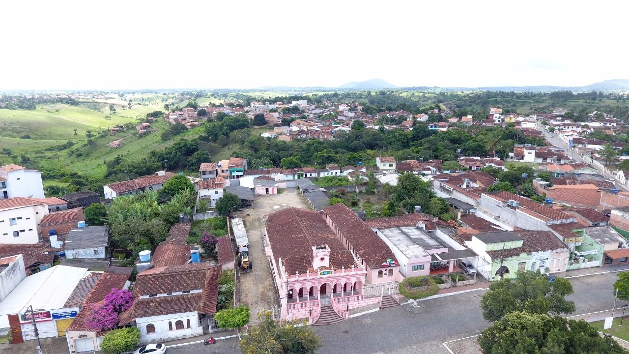 São Felipe é um município do centro leste da Bahia. Sua população em 2018  era de 21.069 habitantes. Os primeiros moradores cu… | Cidades do brasil,  Cruzeiro, Brasil