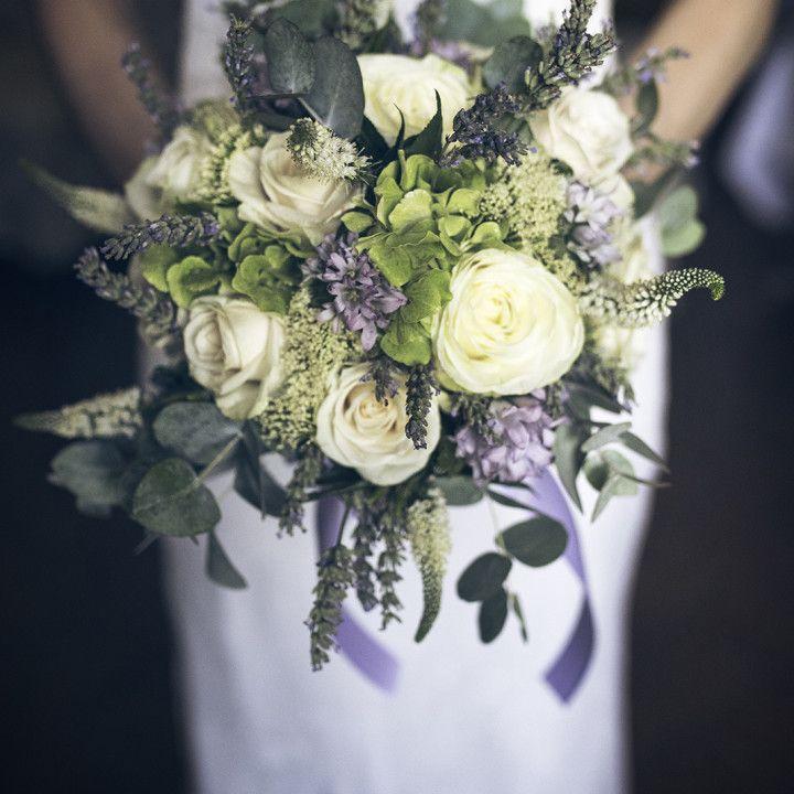 wedding bouquet, violet bouquet, lavander, lavander bouquet, lavanda, fiori fi lavanda, bouquet ideas www.claudiacala.it