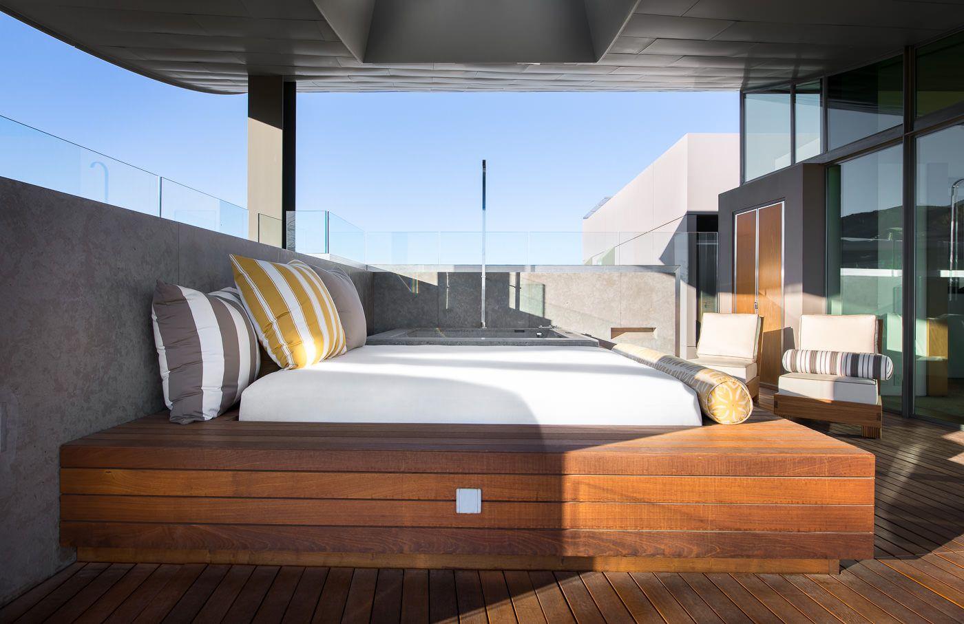 Hottub and Lounge Deck CAVU Las Vegas Outdoor bed