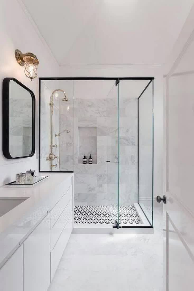 While some people can't live without their bathtubs, today's showers give the standard clawfoot a run for its money.Modern showers are nothing short of works of art, built to standard as well as style, with an unmatchable sumptuousness that may turn you off the good old-fashioned bathtub for good. #nextluxury #homedesign #homedecor #homedecorideas
