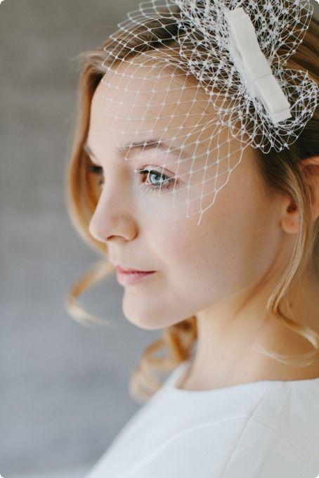 Ein Zarter Fascinator Für Die Brautfrisur Mit Liebe Zur