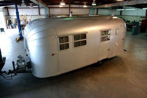 Vintage 1960 21ft Avion Sportsman Travel Trailer Airstream