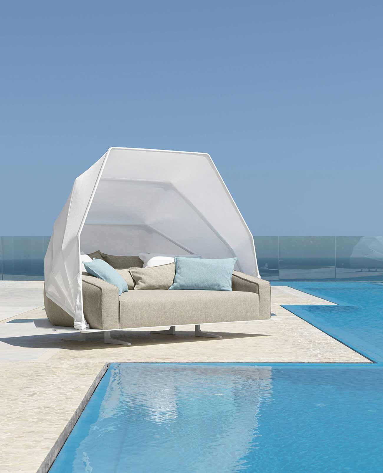 Best Heaven Outdoor Daybed In Aluminium Luxury Garden 400 x 300