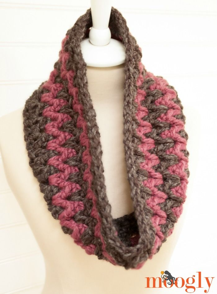 Stormy Weather Cowl - free #scarfie #crochet pattern on Moogly ...