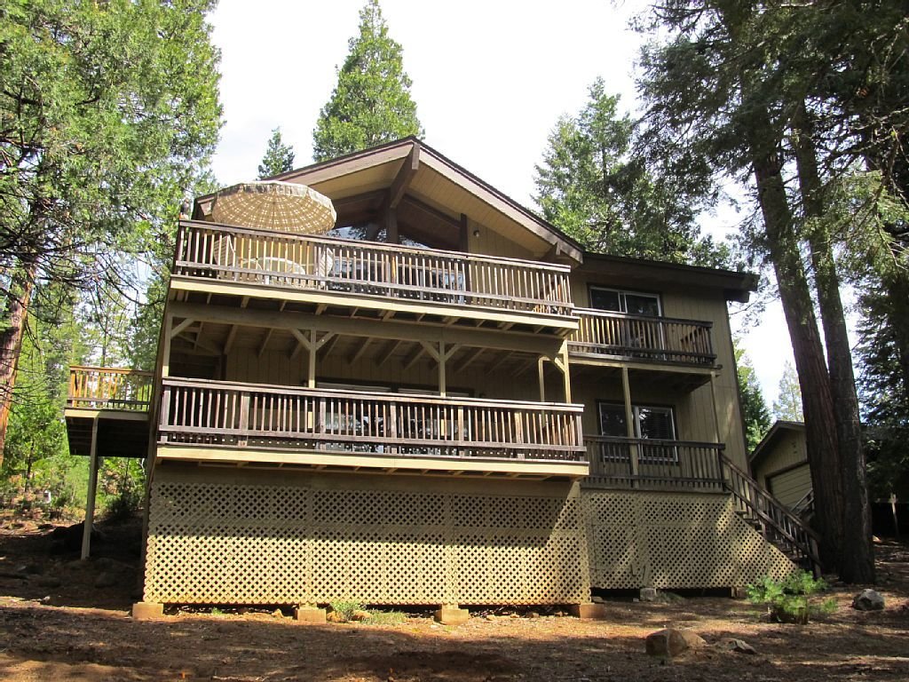 House vacation rental in Lake Almanor Country Club, CA