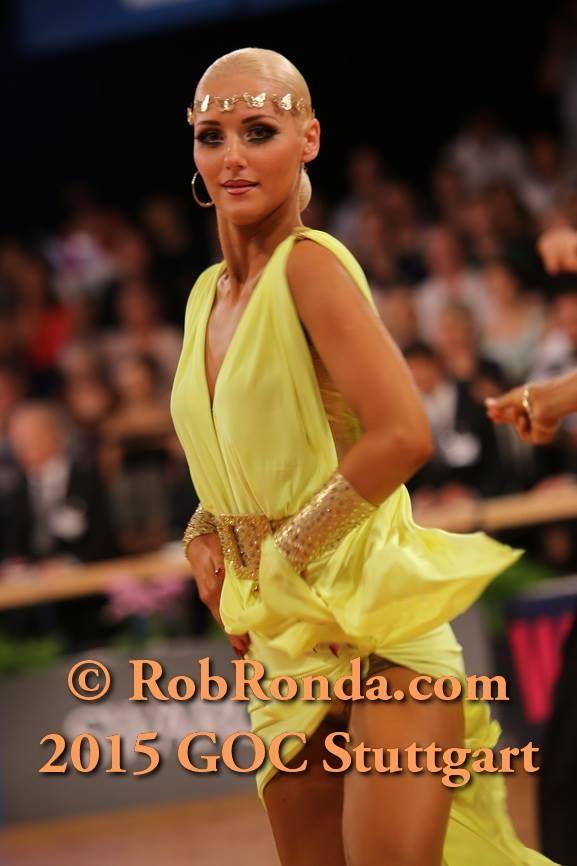 golden accessorise and nice yellow latin dress