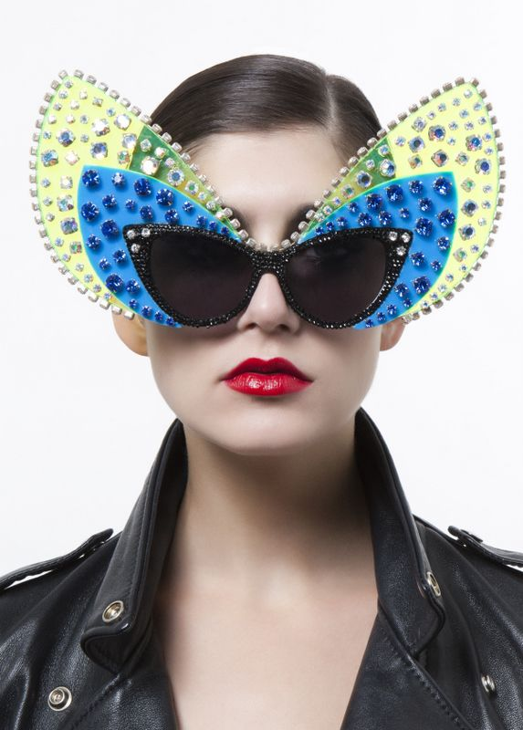 019 A Morir: The Definition Of Extravagant Eyewear!