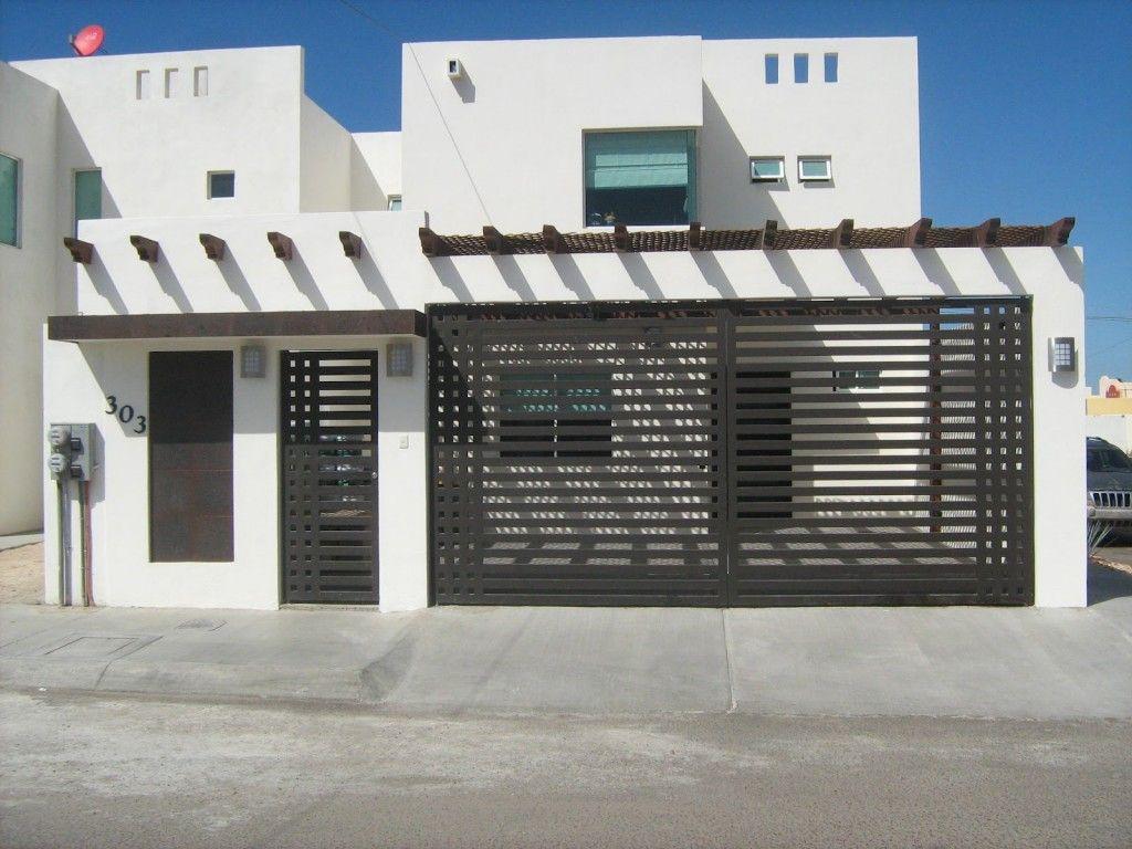 Fotos mes de enero 059 frentes pinterest fachadas for Puertas para frente de casas