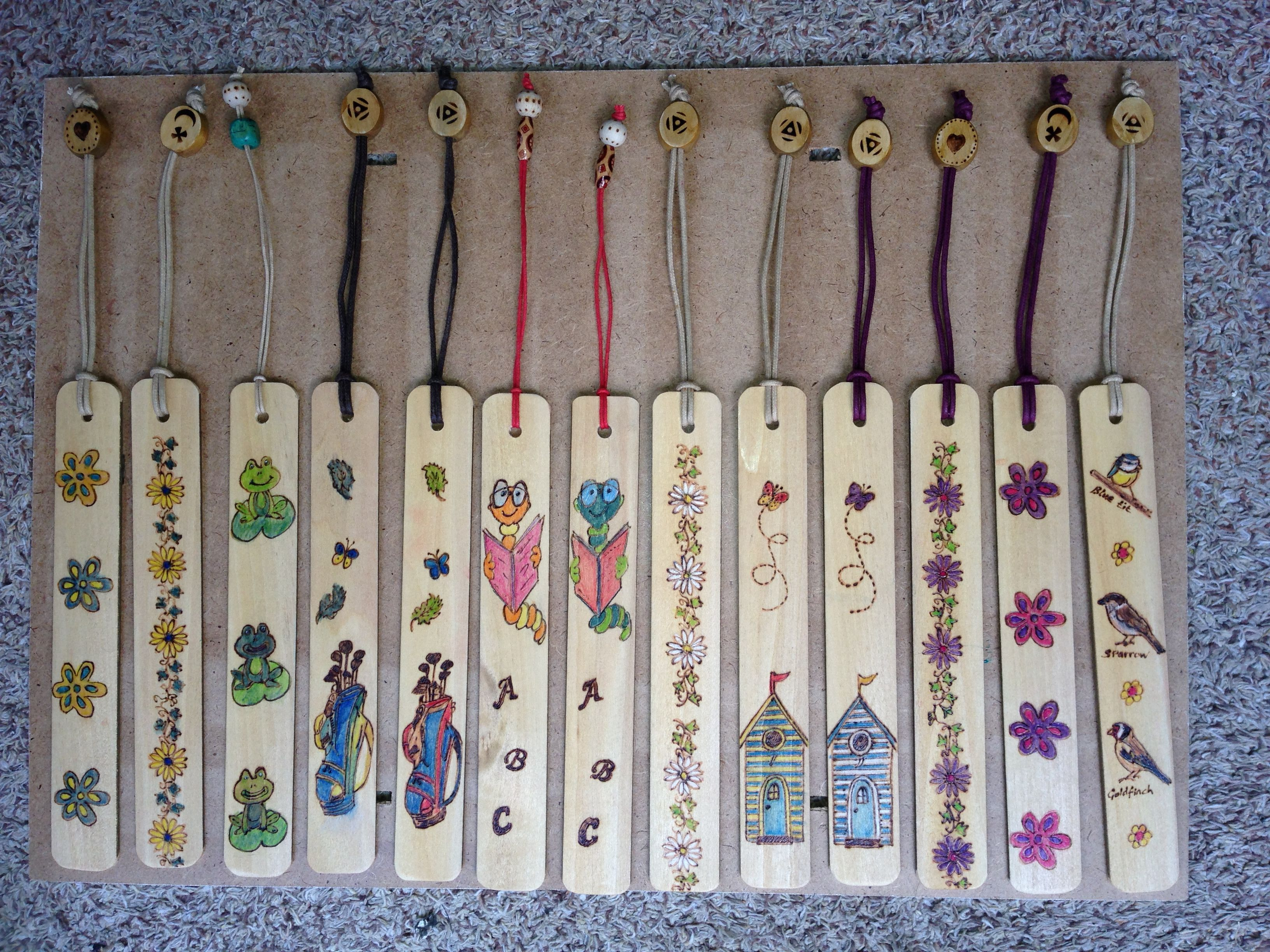 Book Markers Made From Old Venetian Blinds Book Markers Venetian Blinds Diy Plastic Blinds