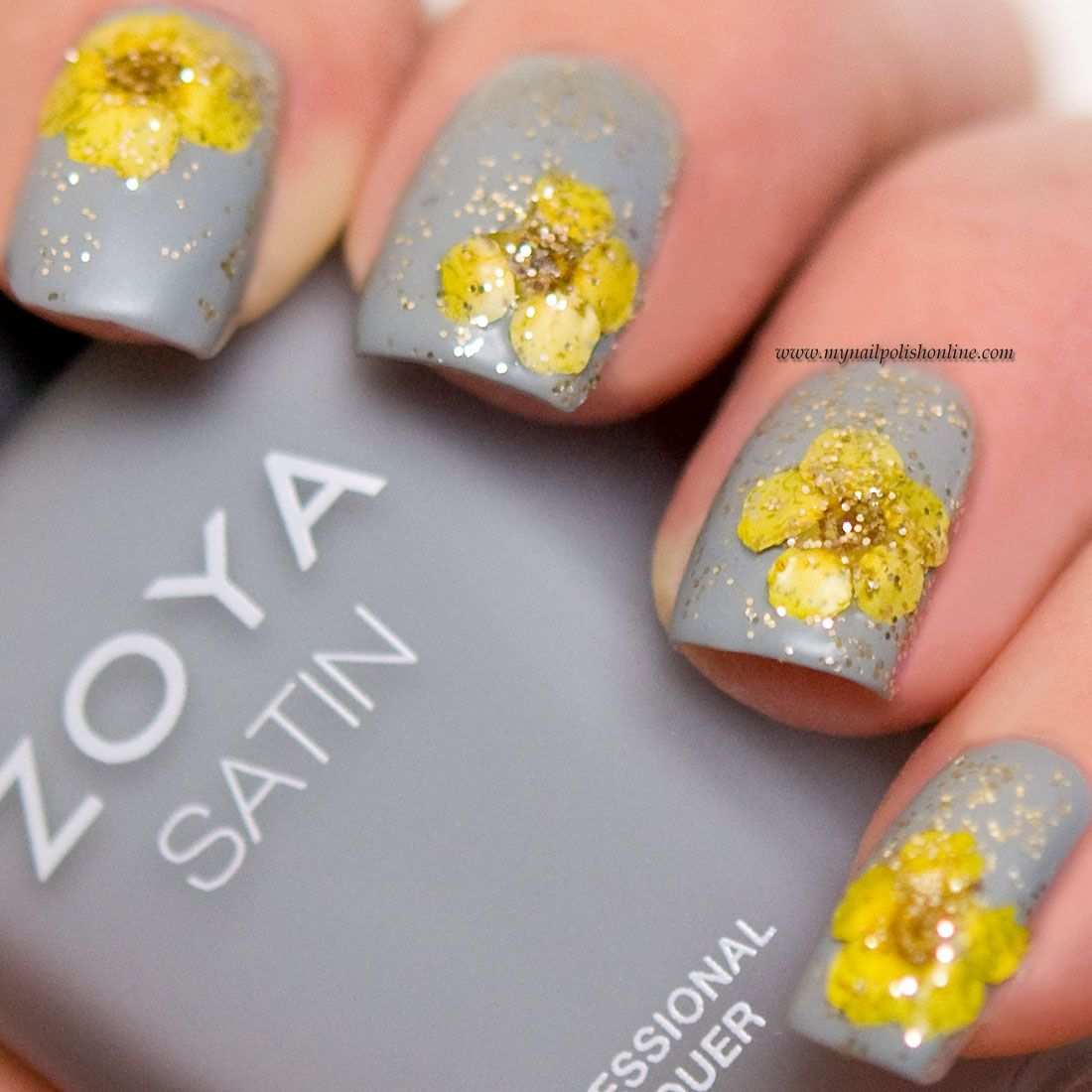 Matte nail art with dried flowers (My Nail Polish Online) | Matte ...