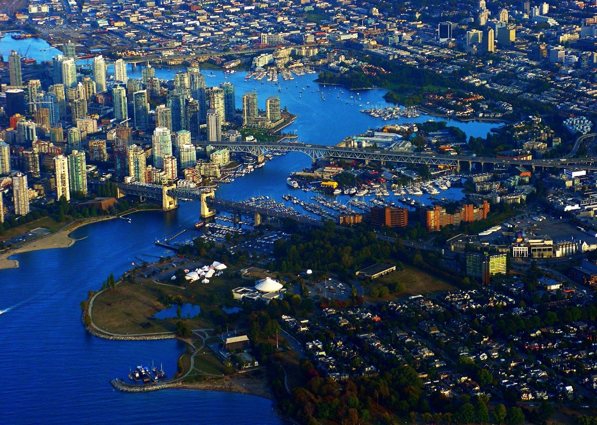 http://www.globeimages.net/data/media/3/bird_s_eye_view_of_vancouver__canada_.jpg