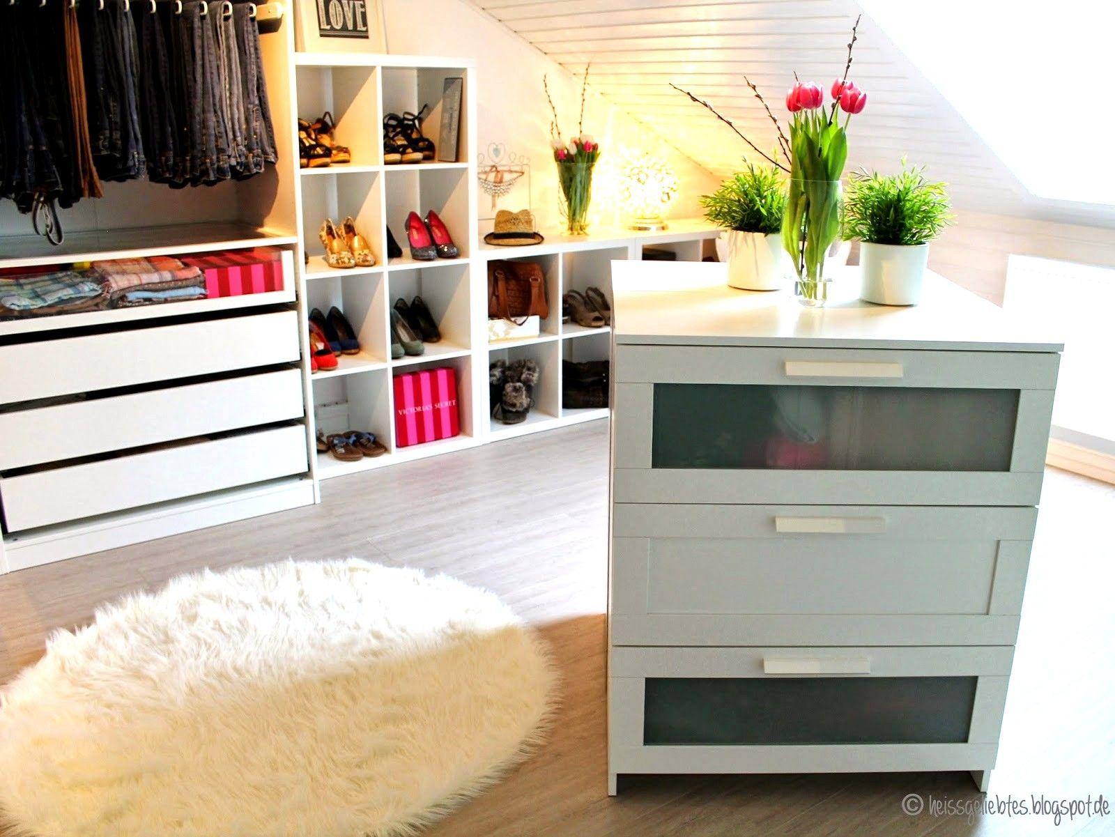 Ein Madchentraum Das Ankleidezimmer Walk In Closet Pax Ikea Von 1