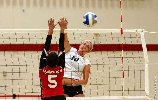 Blair Ehrlich Spanked 21 Kills As The Freshman Led Cal State Stanislaus To Its First Victory Of The Season In A Fou With Images Stanislaus State Women Volleyball Texas A M