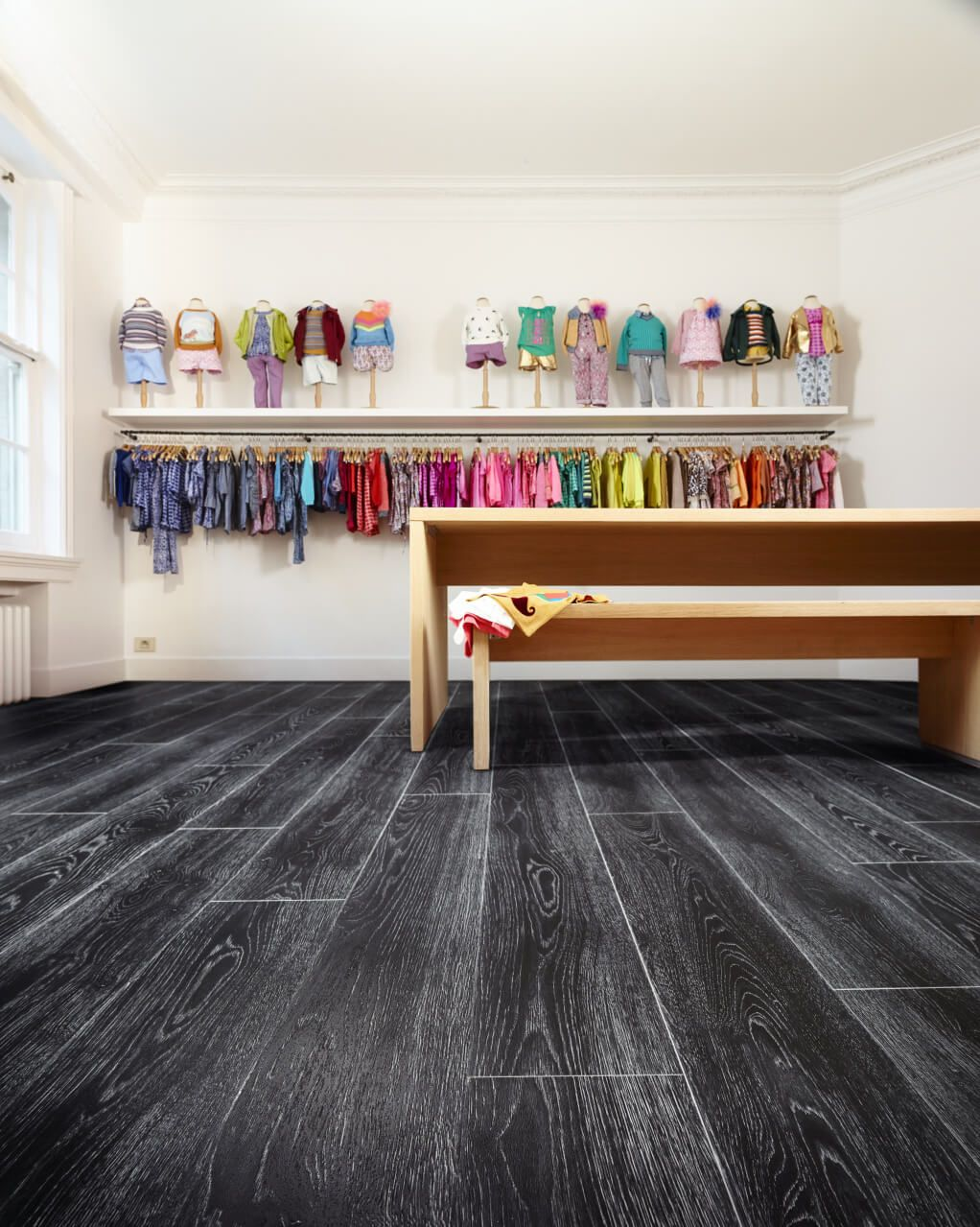 scarlet oak wood effect luxury vinyl flooring moduleo
