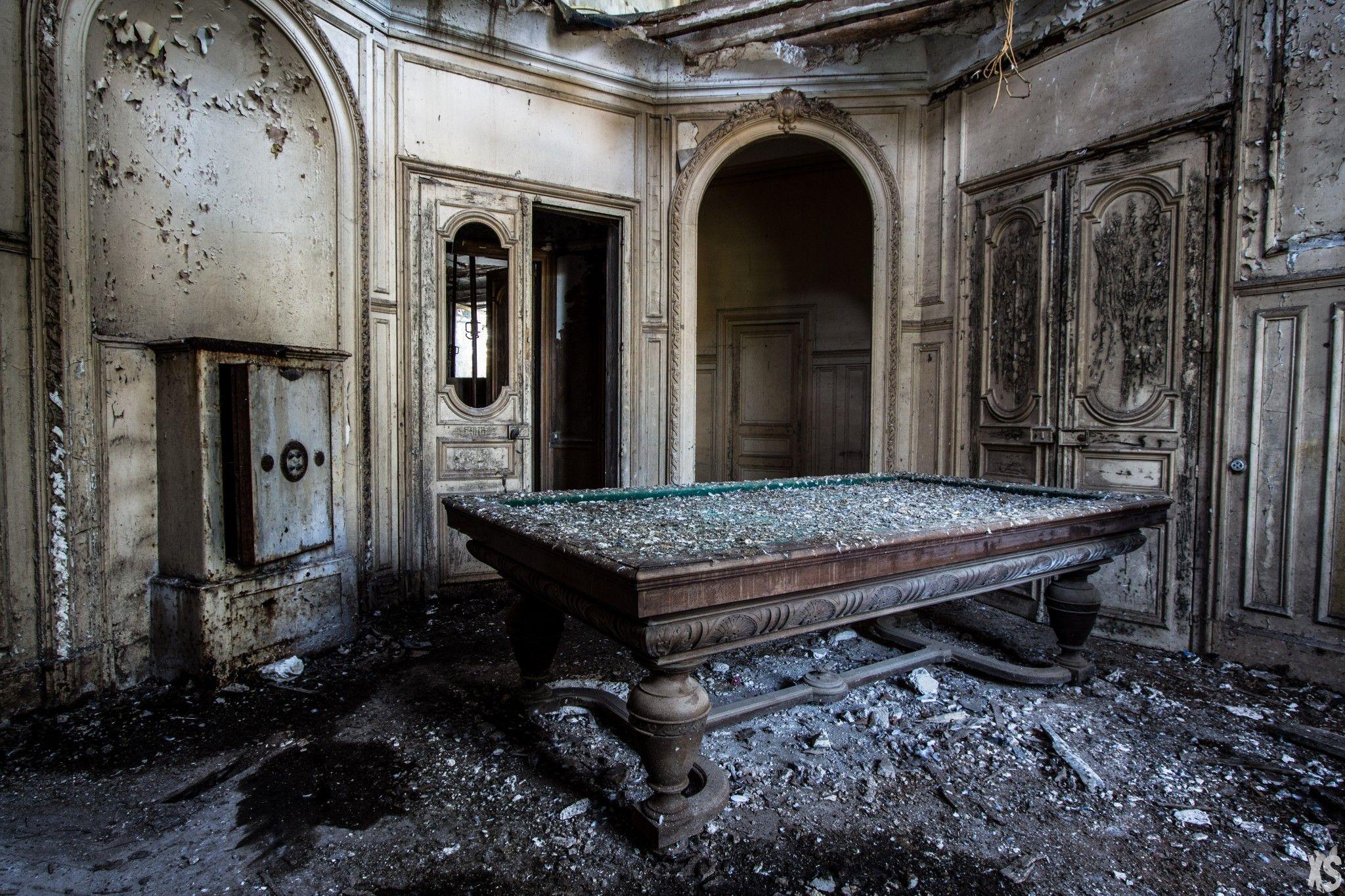 Manoir pavlovich le de france architecture abandonn e for Acheter maison france voisine geneve