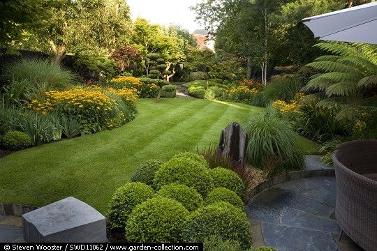 In Detail Swd11062 Ealing Garden Story Steven Wooster Photographer Laara Copley Smith Designer