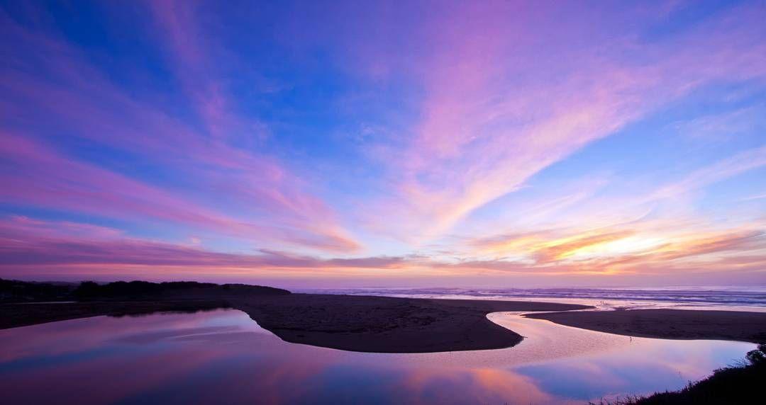 Kribi deep in my heart...#gradient #gadientnation #landscape #nature #beautiful #masterpice #powerofnature #goldenhour #bluehour #sunset #sunsetchaser #evening #cameroontrip #instagood #instanature #moving #reflection #mirror #longexposure #smooth #travel #kribi #africanlandscape #tourism #waterscape #timeless #seascape #movement