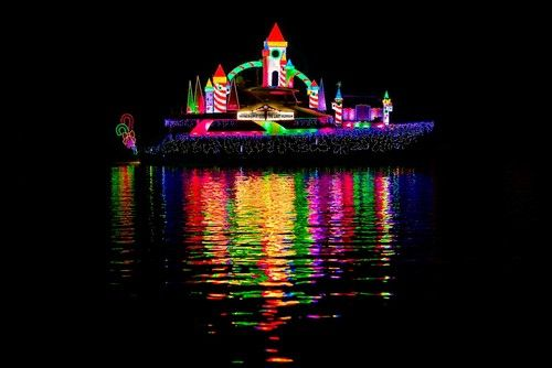 Christmas Boat Parade Decorating Ideas.Christmas Boat Parade With Led Lighting Spaces