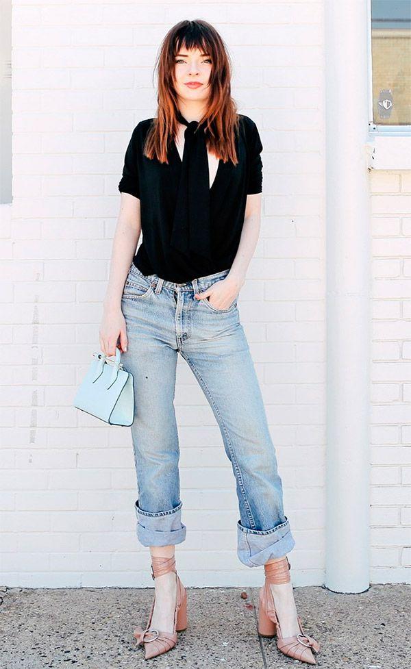 Street style look com salto e calça jeans. c00437d1751