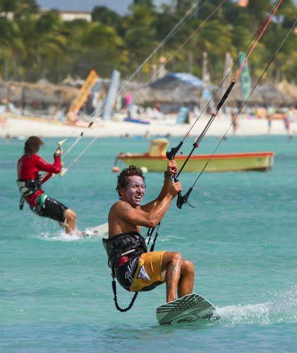 Kitesurfing fun in Aruba