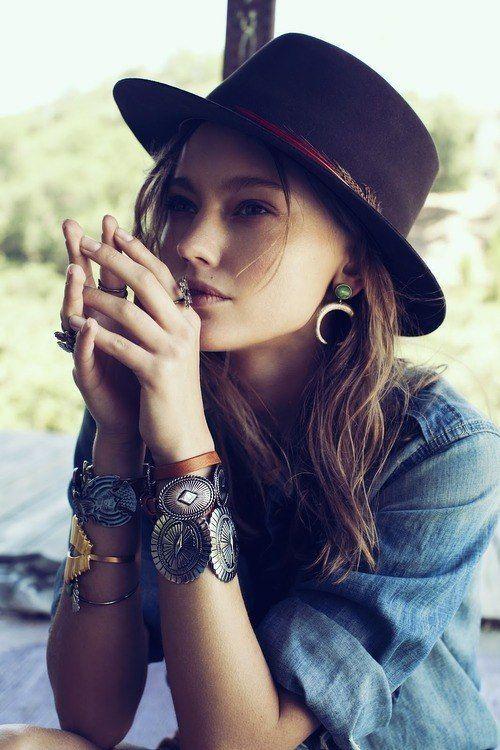 Fashiontrends4everybody: Denim ,Jewels & Hat