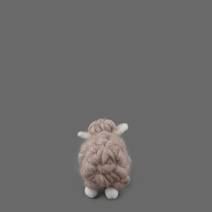 GIFTSHOP La Woo Tiny Lamb Angle1