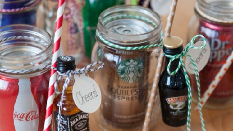 Diy christmas gifts for friends with mason jars