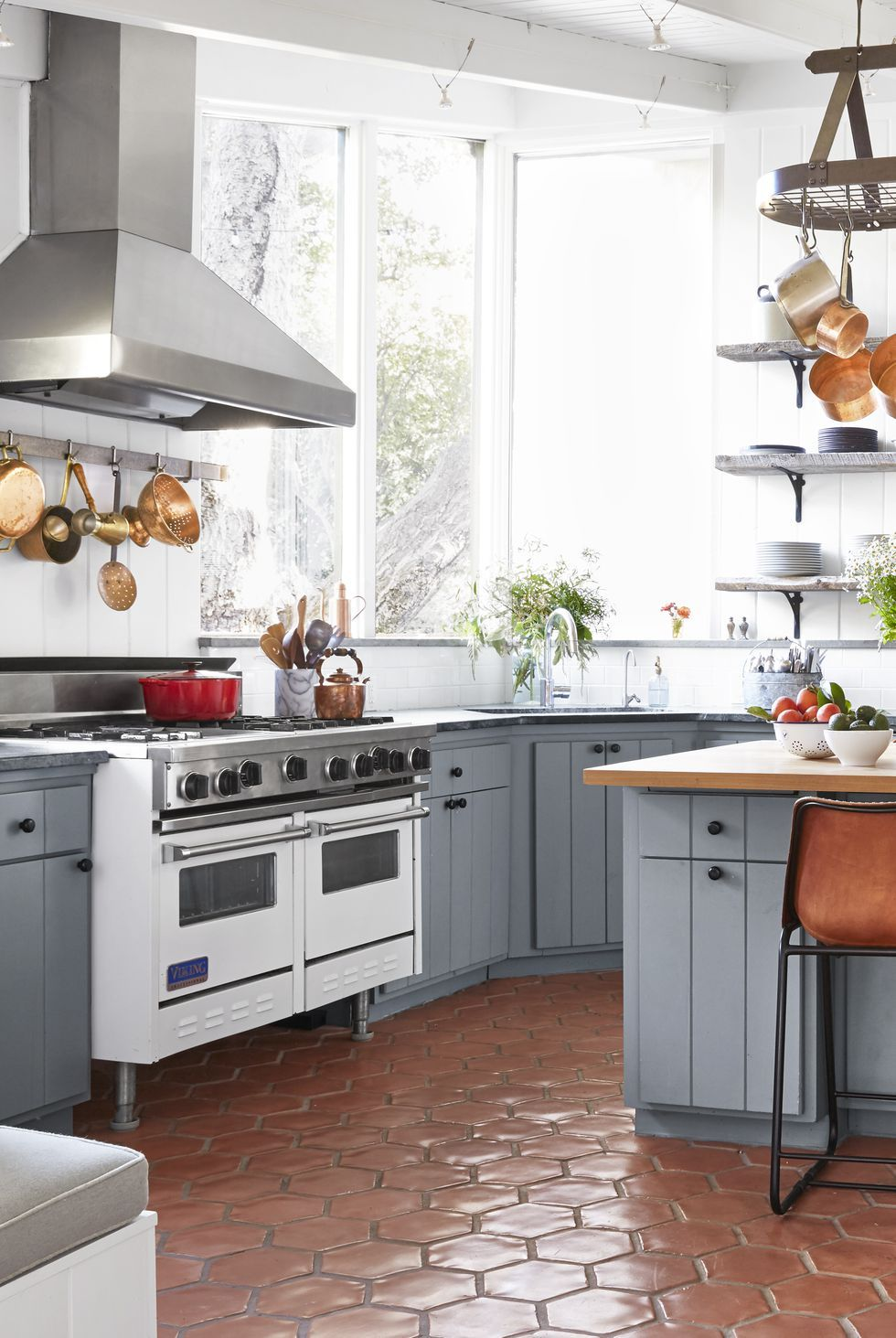 Some Examples of Modern and Traditional Kitchen Floor ...