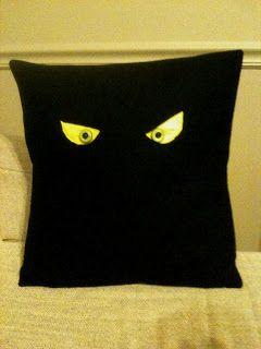 melissa, maybe.: DIY: Halloween Felt Pillows