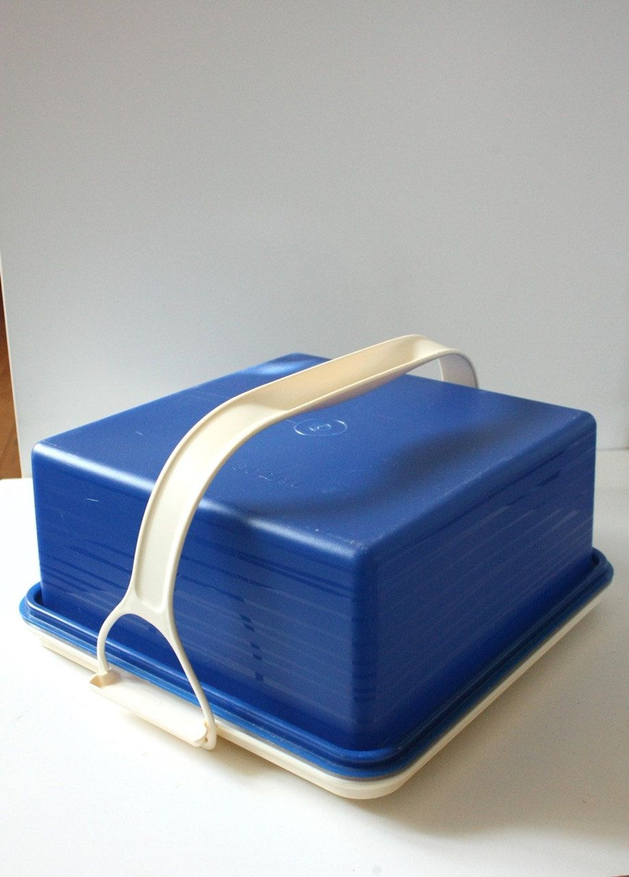 Vintage Tupperware Cake Taker by TriBecasVintage on Etsy