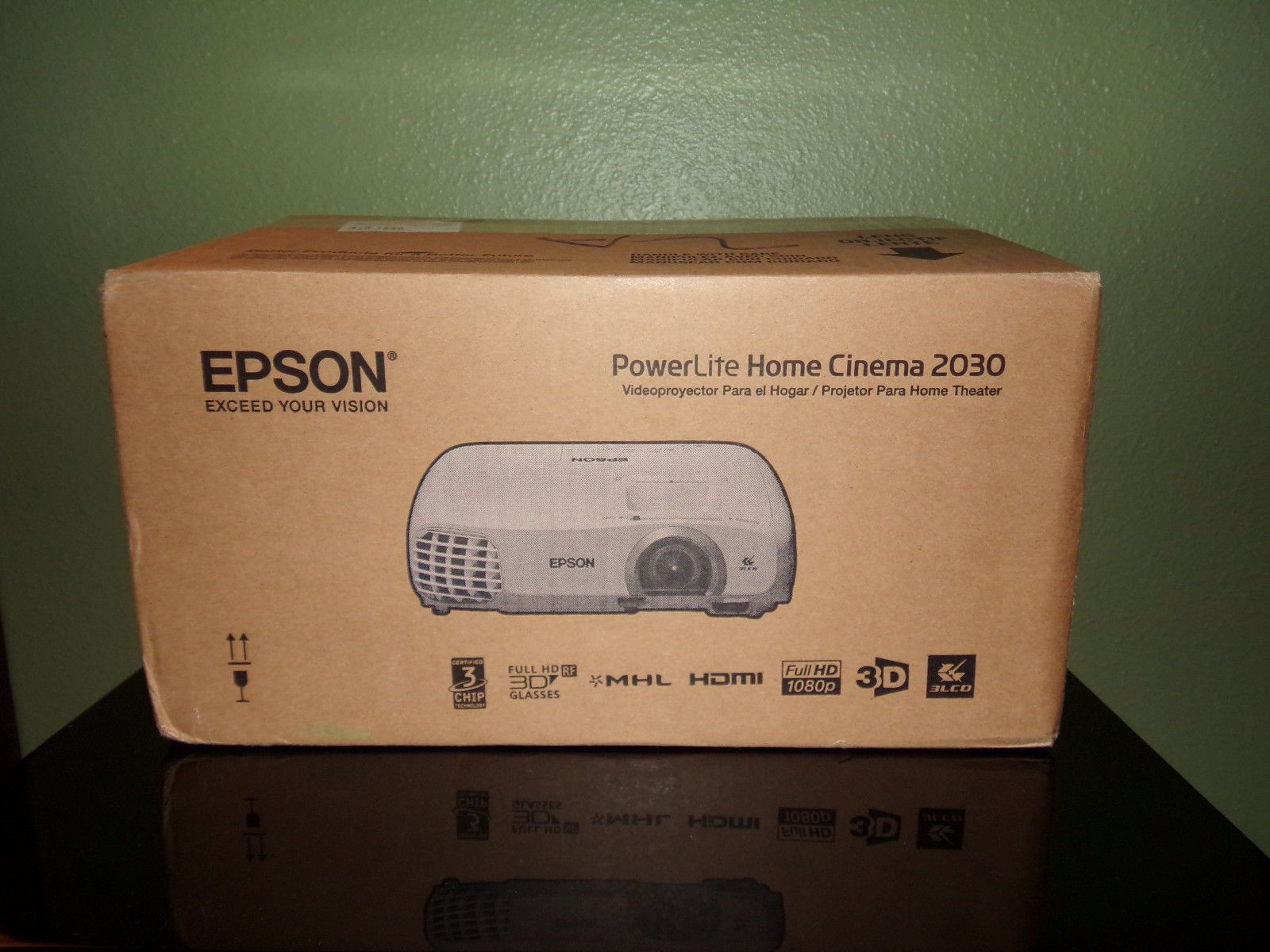 NEW Epson PowerLite Home Cinema p 3LCD Projector Very