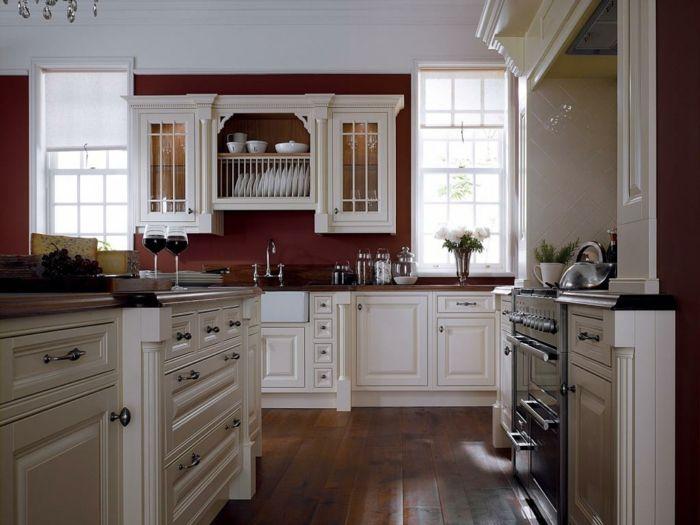 Wandfarbe Küche Rot Weiße Küchenschränke Fenster