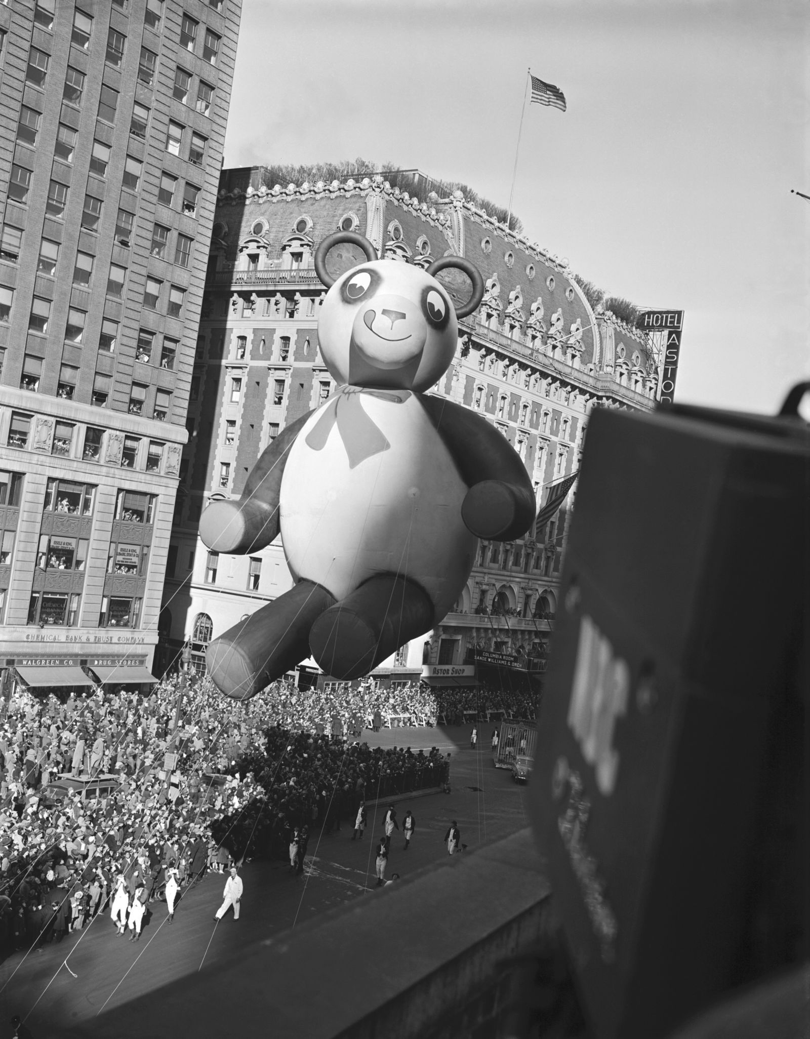 10 Things You Didn T Know About Miracle On 34th Street Thanksgiving Day Parade Macy S Thanksgiving Day Parade Miracle On 34th Street