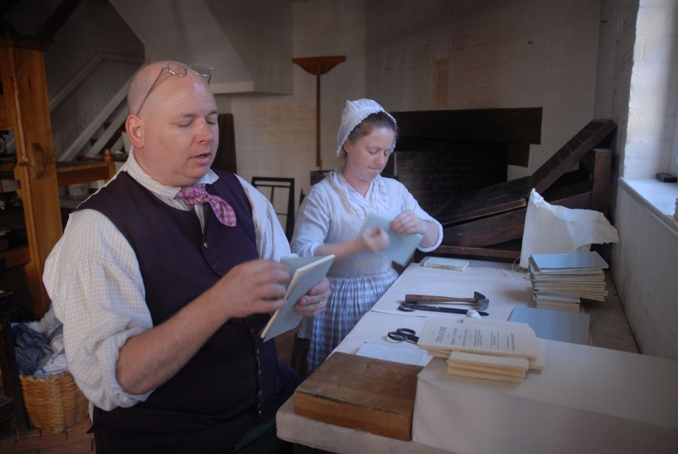 Colonial Bookbinder Colonial Williamsburg Colonial