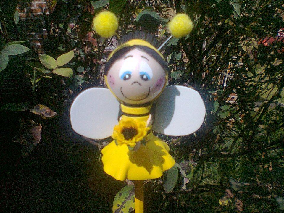 Fofulapiz de niña disfrazada de abeja