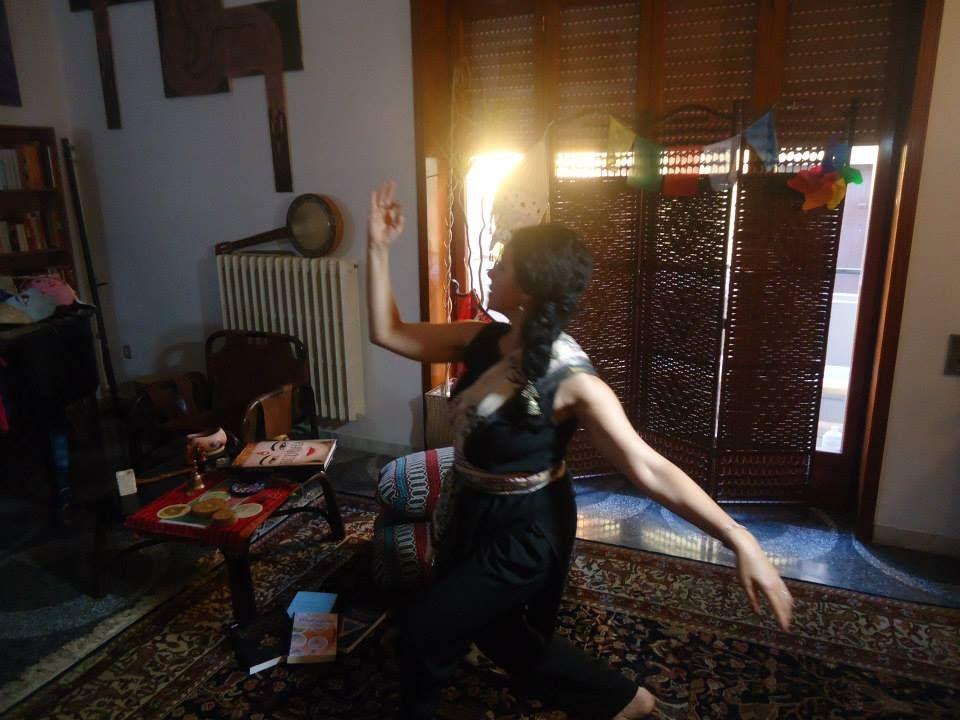 http://www.salentoweb.tv/video/8169/salento-india-ar-attraverso-danza-luisa